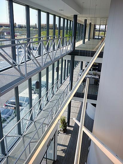Kantoorgebouw en werkplaatsen bouwbedrijf  Ivens _8