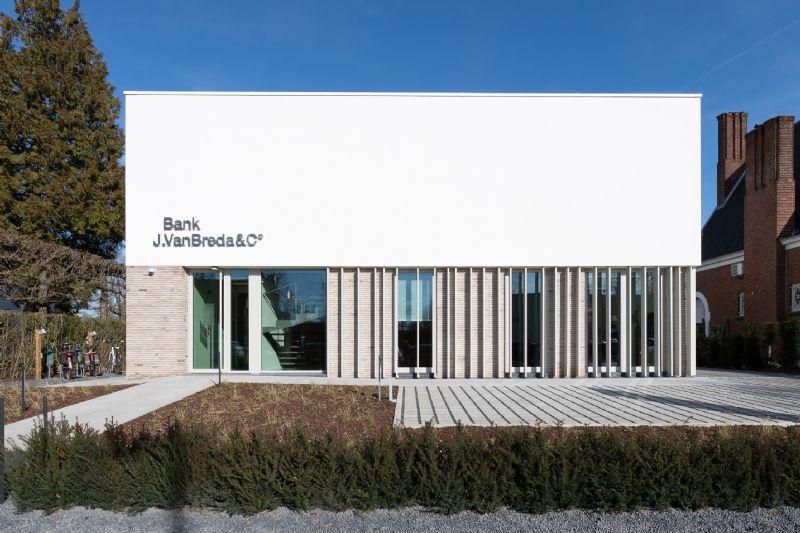 kantoorgebouw Bank J.Van Breda & C°