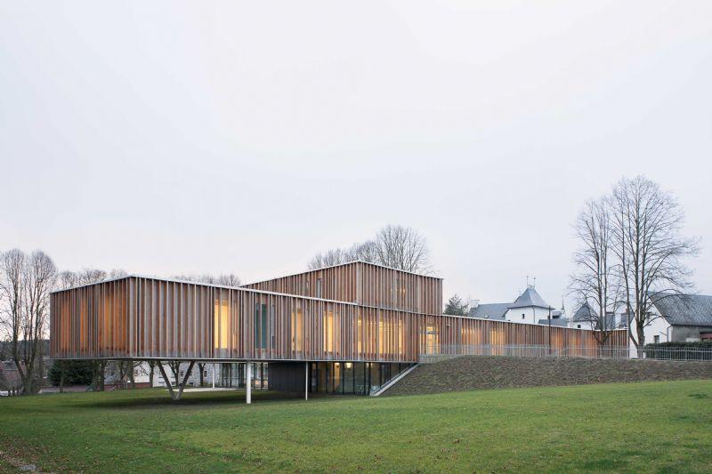 Rénovation et extension de la maison communale de Montigny-le-Tilleul.