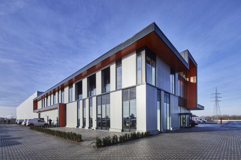 Distributiecentrum met kantoren Horeca Van Zon Lommel
