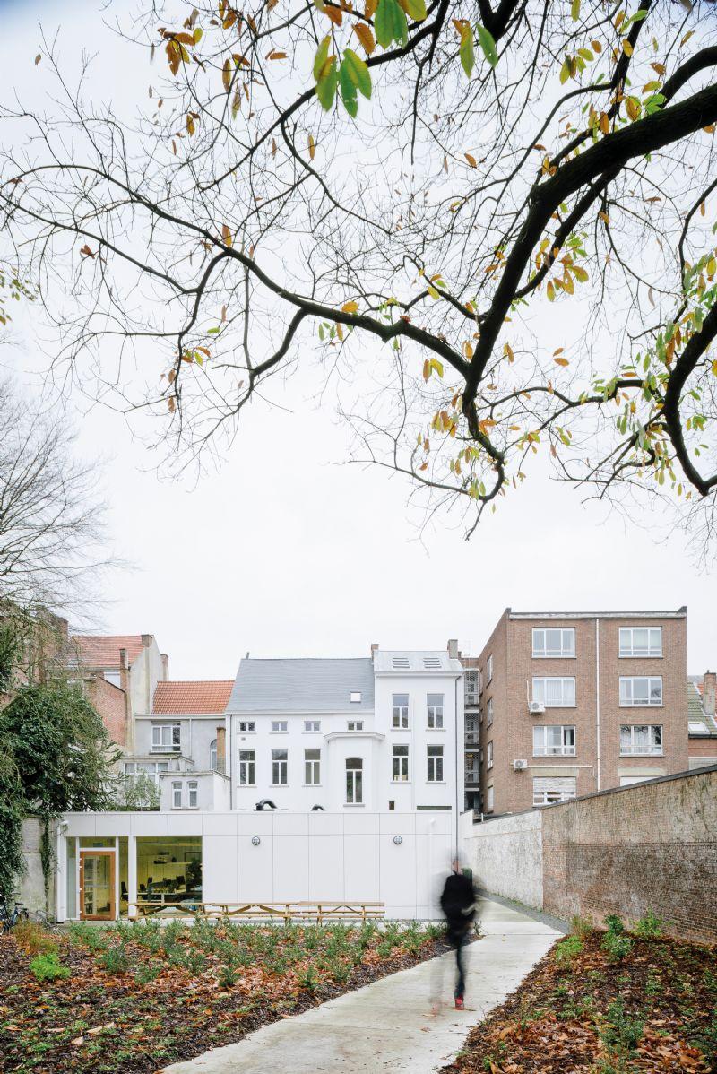 Renovatie en uitbreiding sociaal centrum Plein