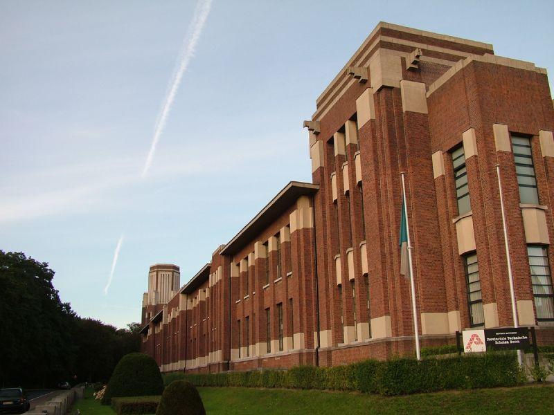 Renovatie Provinciale Technische Scholen campus Boom