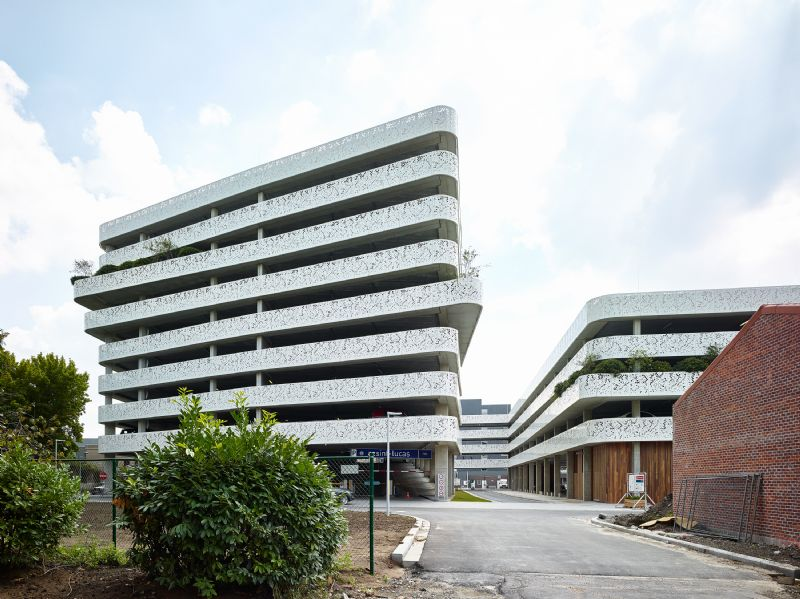 Parkeergebouw van AZ Sint-Lucas & Volkskliniek
