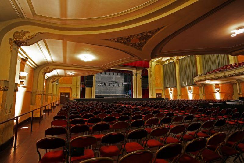 Renovatie oude cinemazaal de ROMA