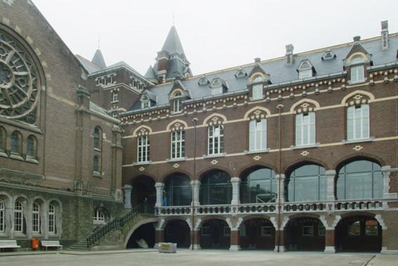 Renovatie van het college van Maasmechelen