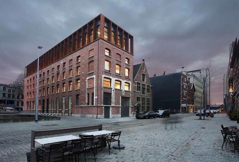 Reconversie pakhuis voor SD Worx Antwerpen