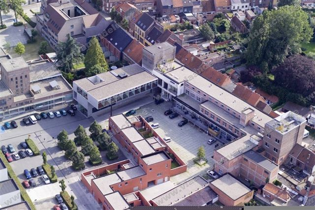 Klimop-gebouw op Stassano-site